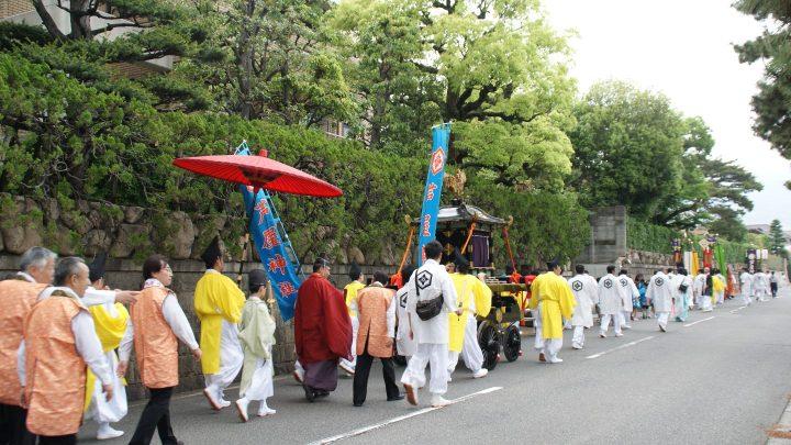 2018年3月25日、芦屋神社の鳳輦巡行(ほうれんじゅんこう)が復活します
