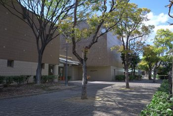 芦屋市立図書館